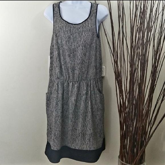 Yargici Dresses & Skirts - Yargici Black & White Pattern Sleeveless Dress
